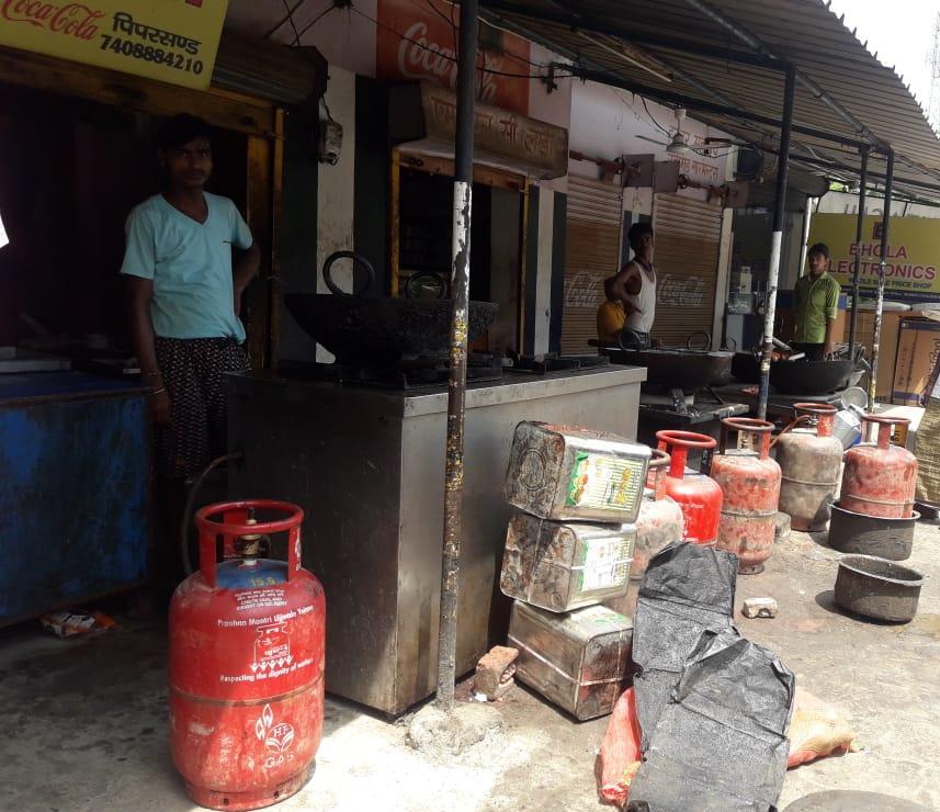लखनऊ में चल रहा तेज़ी से अवैध घरेलू गैस सिलेंडर का कारोबार