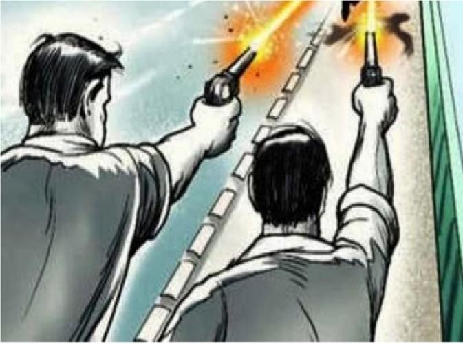 जिला हरदोई में दबंगों ने की पुलिस पर की अंधाधुध फायरिंग, सिपाही के सीने पर लगी गोली-तीन अरेस्ट