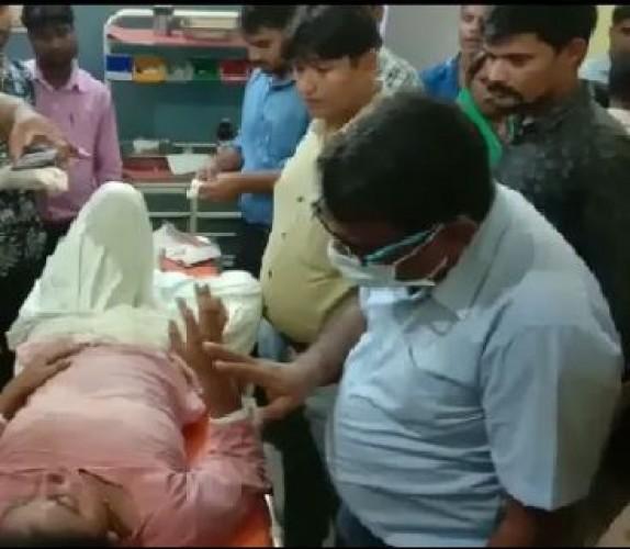 स्कूटी पलटने से घायल हुई छात्राएं