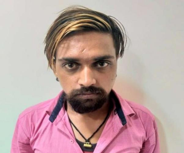UP एसटीएफ ने 50 हजार के इनामी भगोड़े बदमाश को उत्तराखंड से किया गिरफ्तार
