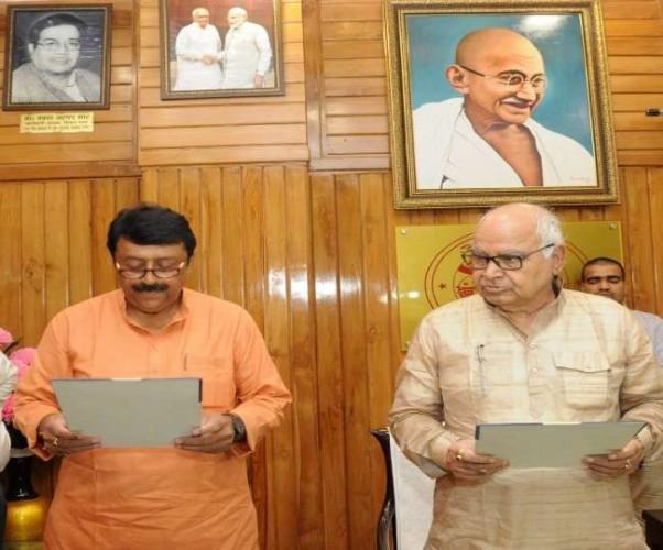 हमीरपुर सदर विधानसभा सीट पर उपचुनाव में विजयी भाजपा के युवराज सिंह ने ली शपथ