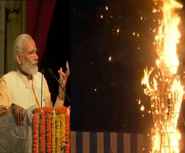 PM मोदी ने कहा- उत्सव हममें उमंग भरते हैं, लोगों ने कहा- 'जय श्री राम'