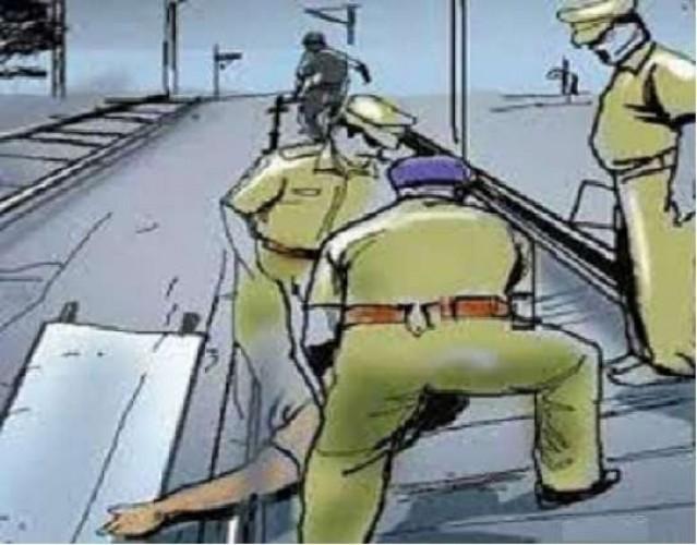 बहराइच में दशहरा दिखाने के बहाने पत्नी को पुल से फेंका
