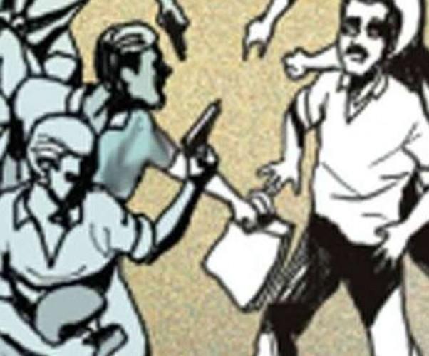 जिला आजमगढ़ में बैंक मित्र की हत्या कर 1.36 लाख रुपये लूटे, बाइक सवार चार बदमाशों ने मारी गोली