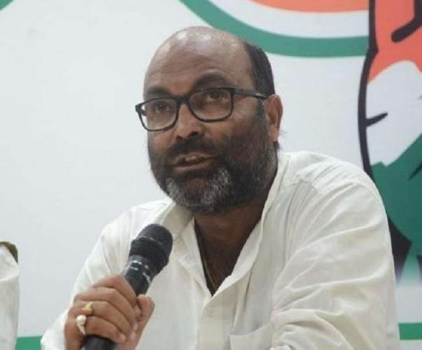 अजय कुमार लल्लू ने कहा कि ऊर्जा मंत्री मुकदमा दर्ज कराने की धमकी न दें