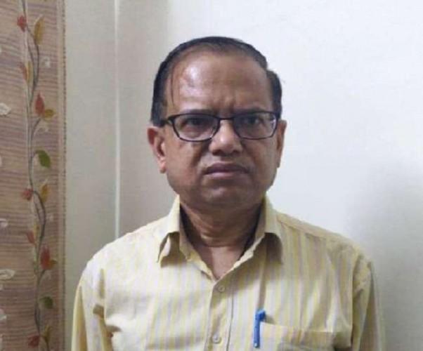 पीके गुप्ता के घर और दफ्तर में EOW का छापा, कब्जे में ली मोबाइल और डायरी