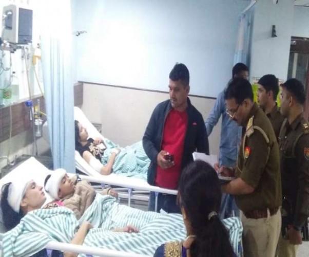 बेकाबू कारों ने चढ़त के दौरान 16 बरातियों को रौंदा, दो महिलाओं की मौत
