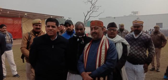 अलीगढ़,शहर विधायक संजीव राजा जी  द्वारा मकर संक्रांति के अवसर पर खिचड़ी की प्रसादी का आयोजन किया गया