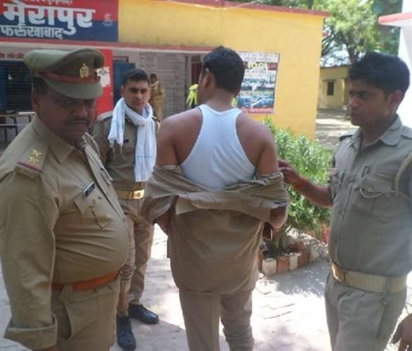 फर्रुखाबाद में पुलिस टीम पर हमला, दाराेगा और सिपाहियों को दौड़ा-दौड़ाकर पीटा