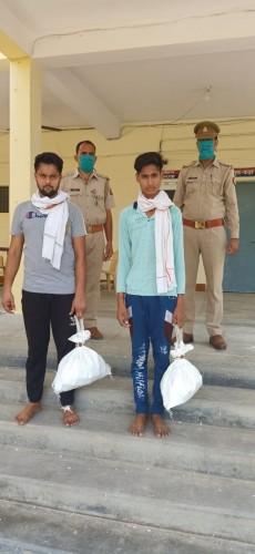अलीगढ़,नशा के कारोबार में लिप्त 2 अभियुक्तगण को 95 शीशी टिन्चर(कुट्टू) के साथ किया गिरफ्तार