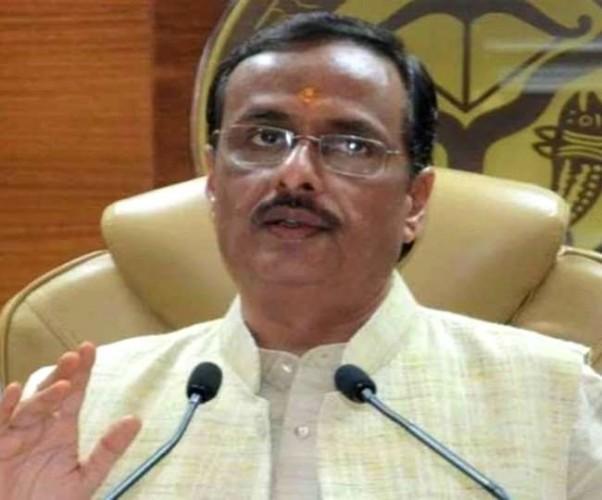 निजी स्कूलों की फीस माफी का कोई आदेश नहीं हुआ जारी-डॉ. दिनेश शर्मा