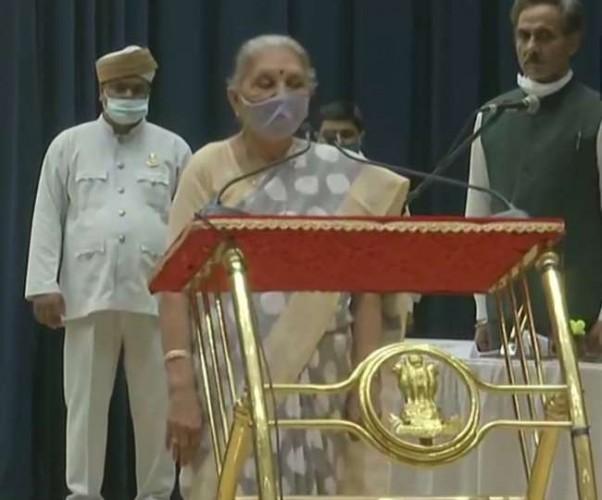 यूपी की गवर्नर आनंदीबेन पटेल ने मध्य प्रदेश के राज्यपाल पद के अतिरिक्त प्रभार की शपथ ली