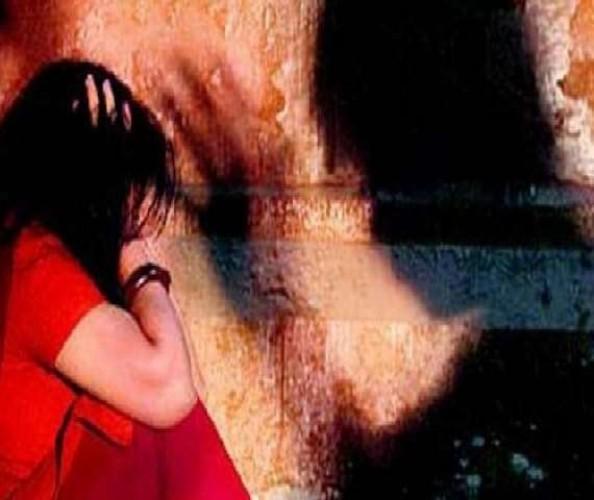 रिश्तेदार के घर जा रही युवती से रास्ते में दरिंदगी, चलती बोलेरो में सामूहिक दुष्कर्म