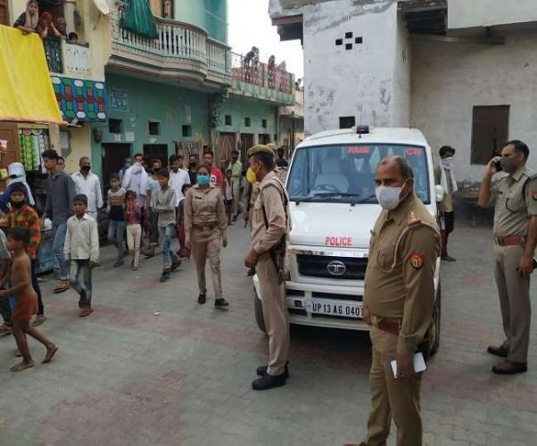 बुलंदशहर में लूट का सामान बरामद करने गई पुलिस को फौजी ने साथियो संग पीटा, फाड़ी सिपाही की वर्दी
