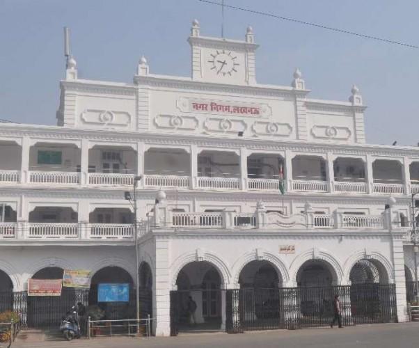 लखनऊ मे ठेकेदार ने नगर निगम के मुख्य अभियंता को दी धमकी, मोबाइल पर भेजा ऑडियो