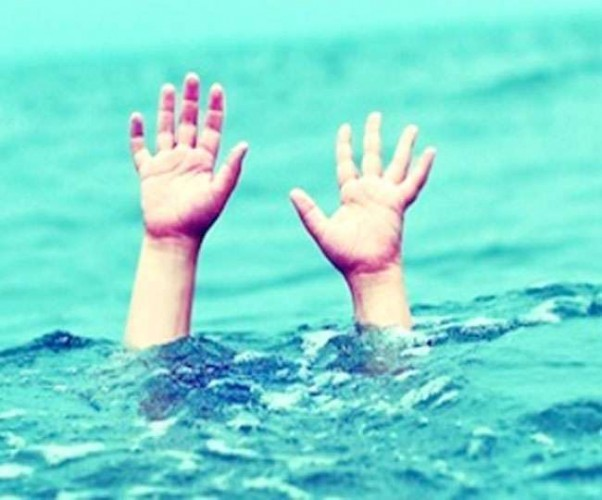 सीतापुर में बाढ़ के पानी में डूबकर मासूम की मौत, अधेड़ लापता