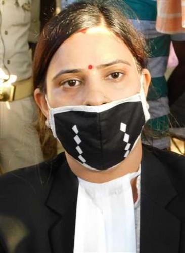 विधायक विजय मिश्र की पुत्री रीमा पांडेय बोली, पिता की हत्या करवाना चाहते हैं भदोही के एसपी