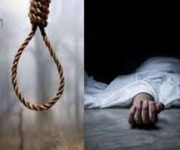 हरदोई में लापता युवक का अधजला शव संदिग्ध हालात में बाग में लटकता मिला