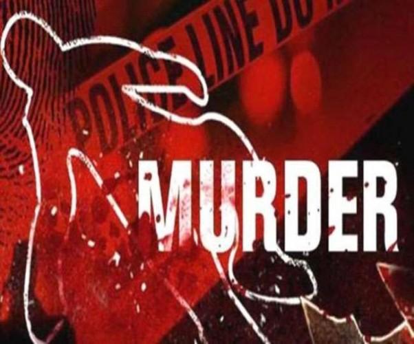 बलिया में पत्नी के सामने पति की गोली मारकर हत्या
