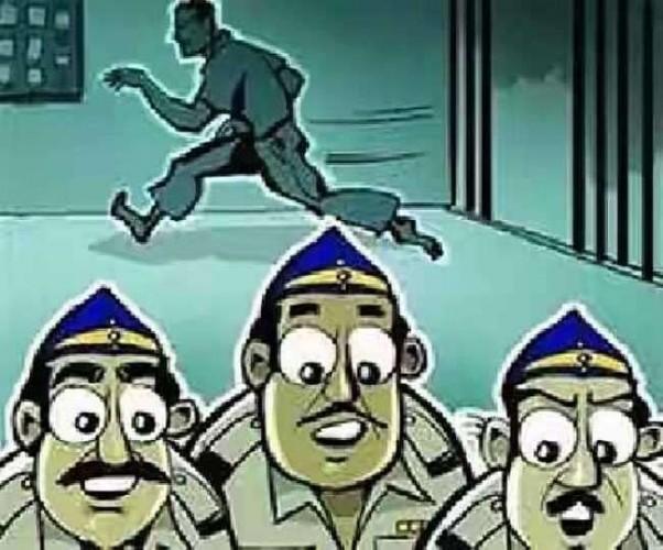 बिजनौर मे हथकड़ी से हाथ निकालकर Arms Act का आरोपित फरार,