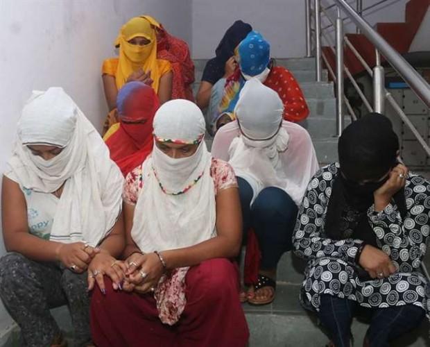 कानपुर पुलिस ने कॉल गर्ल रैकेट का किया पर्दाफाश