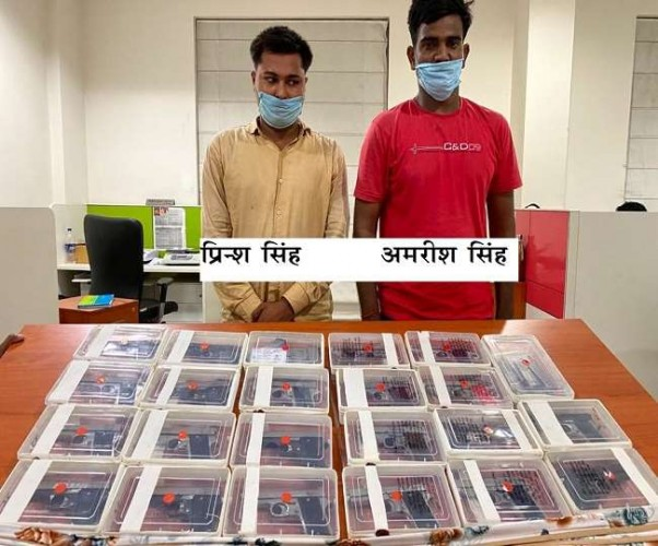 लखनऊ में STF ने 21 अवैध पिस्टल के साथ पकड़े दो शातिर