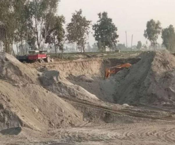 सहारनपुर में अवैध खनन को लेकर हरियाणा-यूपी बॉर्डर पर फिर तनातनी, पीएसी ने ट्रक रोका तो बखेड़ा