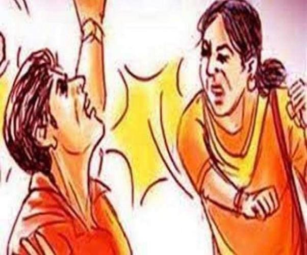 मेरठ मे अश्लील वीडियो भेजने पर युवक की जबरदस्त पिटाई