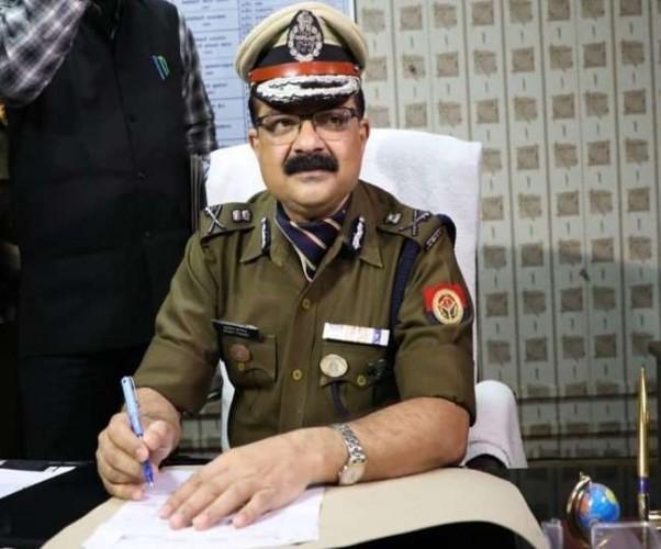 पुलिस कमिश्नर परिवार सहित कोरोना संक्रमित, सांसद ब्रजभूषण शरण सिंह भी पॉजिटिव