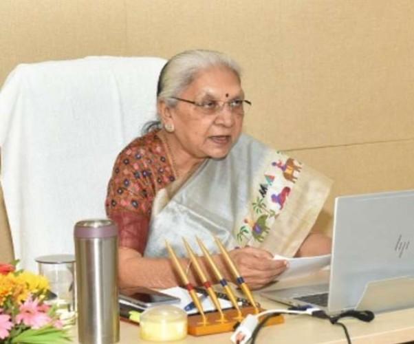 आत्मनिर्भर भारत के अभियान में सहयोग करें चिकित्सा संस्थान - राज्यपाल आनंदीबेन पटेल