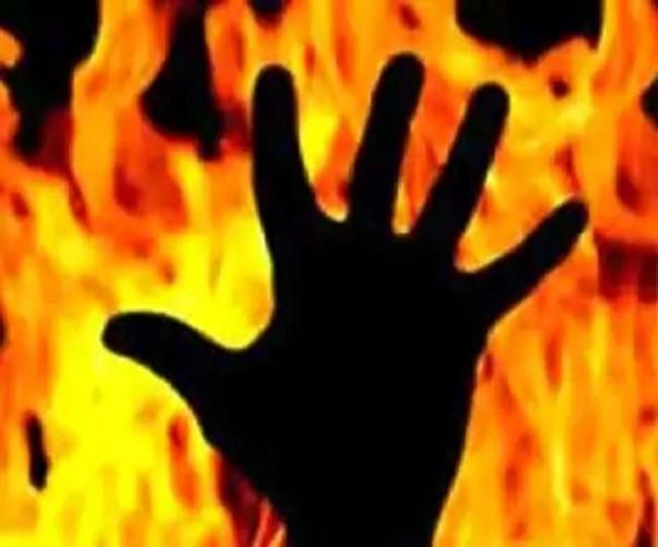 संदिग्ध परिस्थितियों में घर मे लगी आग