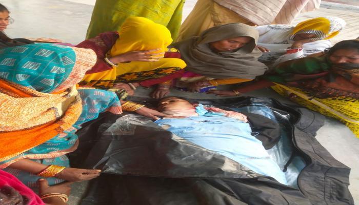 जिले में नहीं थम रहा रफ्तार का कहर साइकल सवार महिला को ट्रक ने मारी टक्कर मौके पर मौत