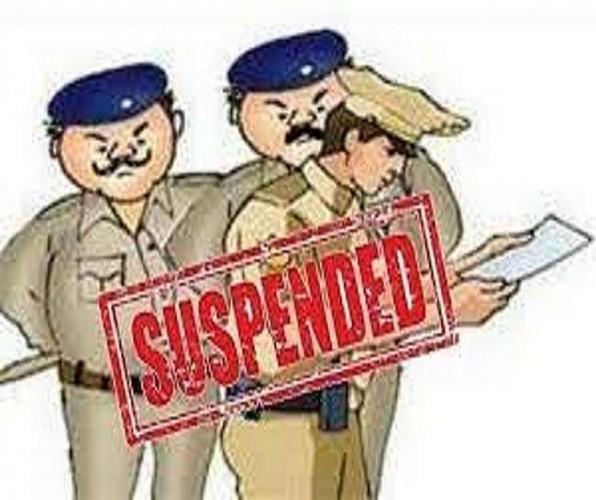 औरैया में आरोपित के एटीएम से 21 हजार रुपये निकालने पर थानाध्यक्ष समेत तीन निलंबित