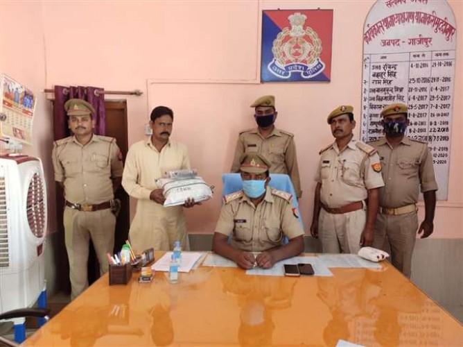 गाजीपुर में पुलिस पर फायरिंग कर भाग रहा मुख्तार गैंग के सक्रिय सदस्य को पुलिस ने दबोचा