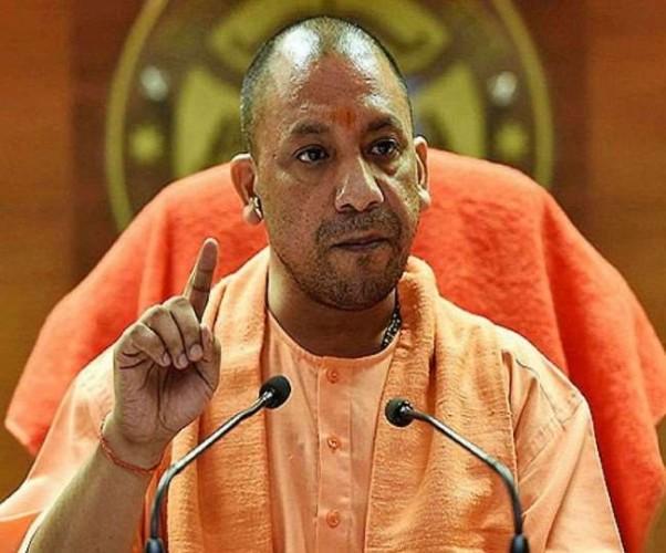 UP में त्यौहार के मौसम को CM योगी आदित्यनाथ का बड़ा कदम, अफसरों की सभी छुट्टी रद