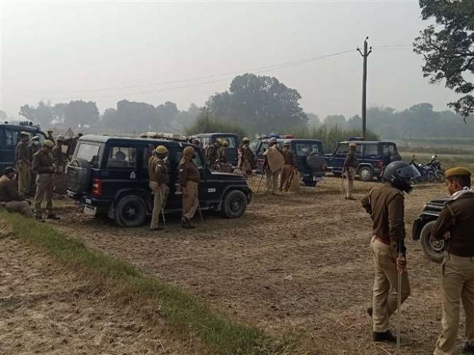 जौनपुर के कोहड़े सुल्तानपुर में चुनावी रंजिश में दूसरे दिन भी मारपीट, एसपी फोर्स सहित मौके पर पहुंचे