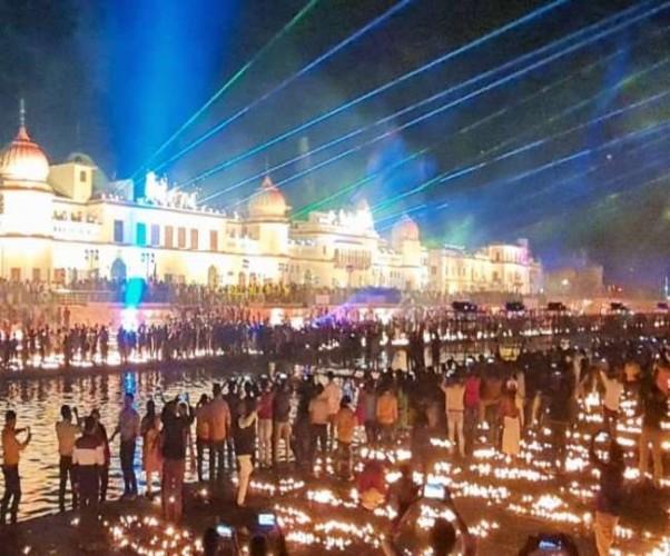 राम के स्वागत में रोशनी से नहाई अयोध्या, पांच लाख 84 हजार से अधिक दीप जलने का बना रिकॉर्ड