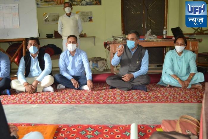 बांदा-रोजगार से जुड़कर विकास करें समूह की दीदियांः डिप्टी कलेक्टर