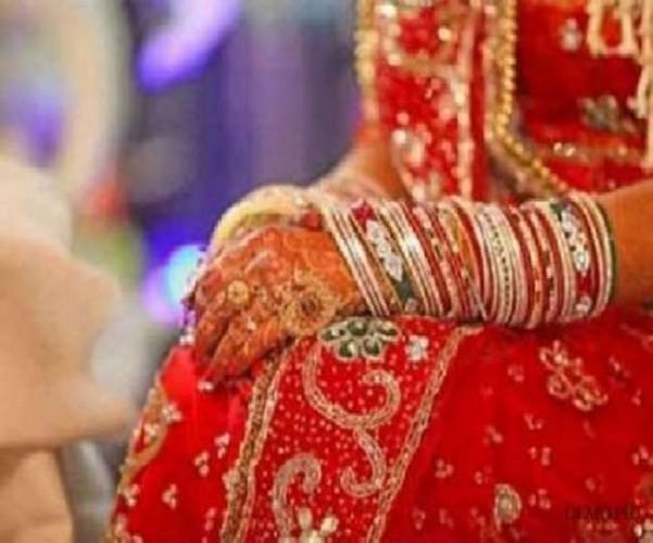 कानपुर देहात में हाथों में मेहंदी सजाए बैठी रही दुल्हन, नहीं आई बारात तो उठाया आत्मघाती कदम