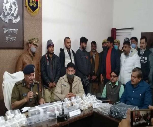 लुटेरों की गिरफ्तारी और बरामदगी पर प्रतापगढ़ के सराफा कारोबारियों और व्यापार मंडल ने जताया संतोष