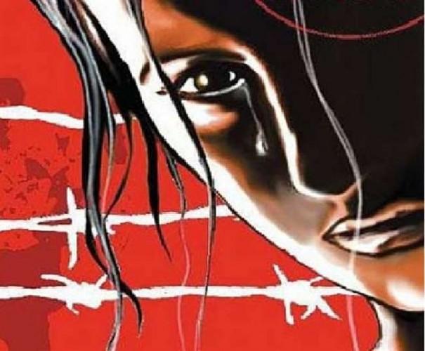 दुष्कर्म का विरोध करने पर युवती व मां को पीटा, टूटा पैर