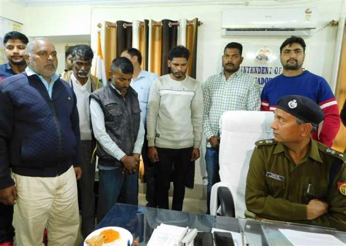 भदोही में सुपारी किलर सहित चार हत्यारोपित गिरफ्तार