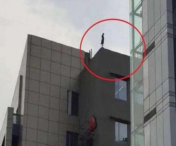 महिला जेई ने कानपुर में पांच मंजिला इमारत से कूदकर दी जान