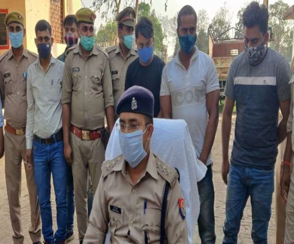 बलरामपुर में साइबर ठगों के अंतरराज्यीय गिरोह का भंडाभोड़