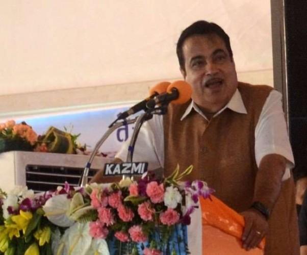 राष्ट्रीय राजमार्ग जैसा होगा अयोध्या का 84 कोसी परिक्रमा मार्ग, राजनाथ सिंह के आग्रह पर नितिन गडकरी का आश्वासन