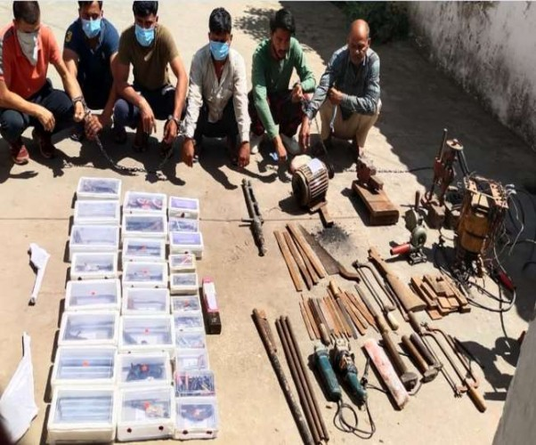 मुजफ्फरनगर के जंगल में चल रही थी हथियारों की अवैध फैक्ट्री, छह गिरफ्तार,