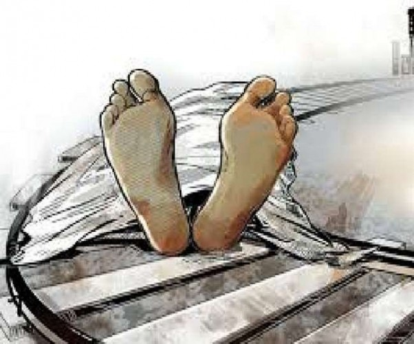 वाराणसी के सारनाथ में ट्रेन की चपेट में आने से युवक की मौत