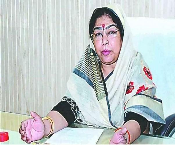 भाजपा ने उन्नाव से काटा कुलदीप सिंह सेंगर की पत्नी संगीता सेंगर का टिकट