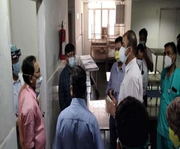 कोविड 19 को लेकर लखनऊ में 2000 ICU बेड बढ़ाने तैयारी में जुटा प्रशासन, DM ने किया अस्पतालों का निरीक्षण