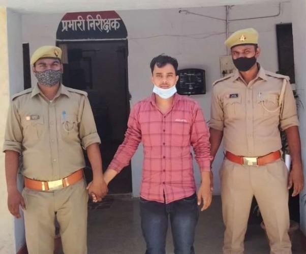 हत्यारोपित भांजा 50 लाख रुपयों संग गिरफ्तार, चोरी के रुपयों से खरीदी थी बाइक